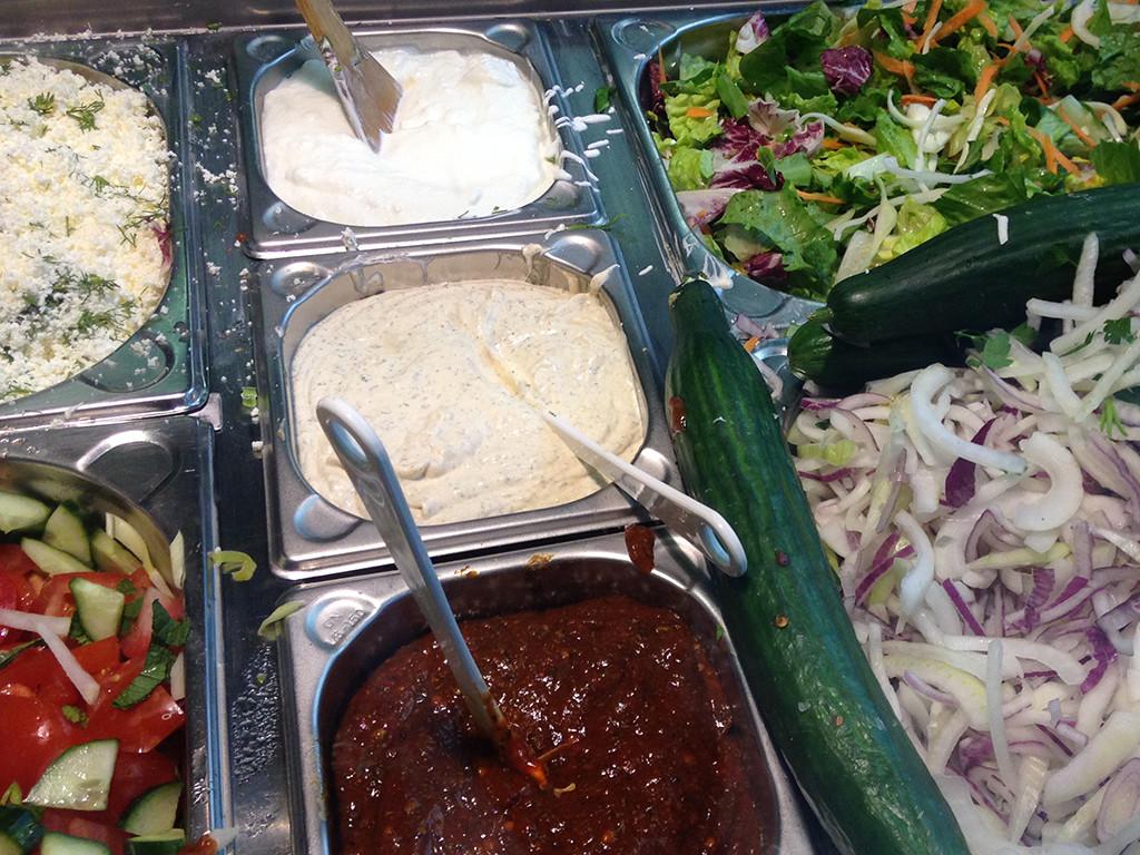 kebab-sauce-salad